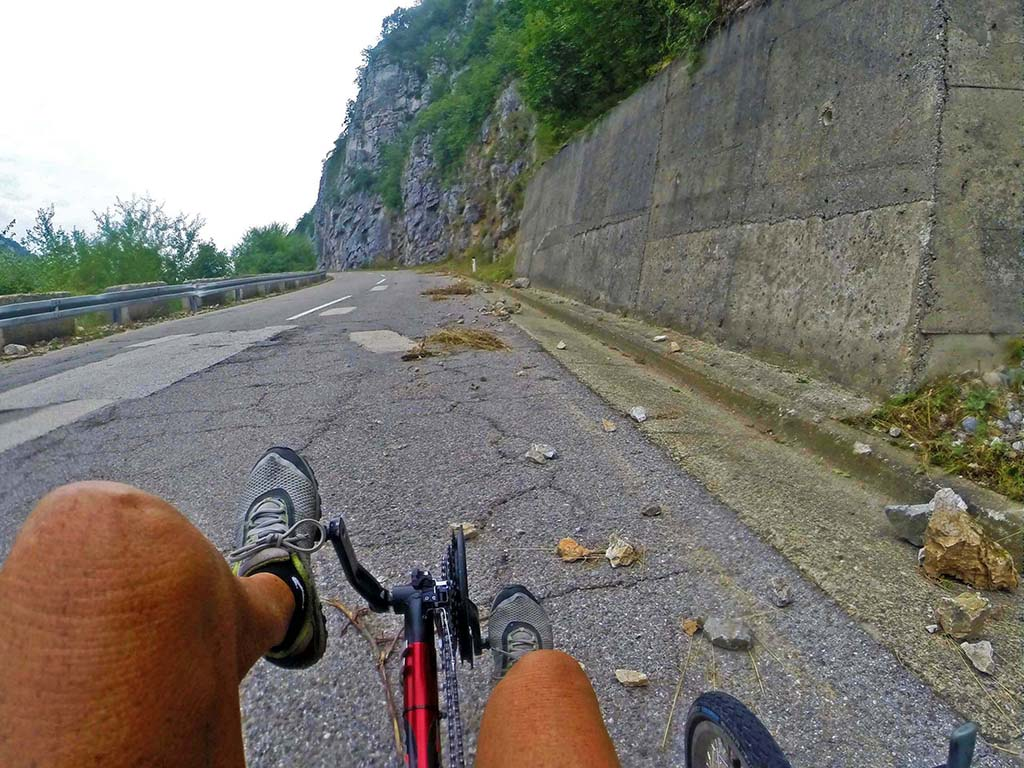 Bicycling-Serbia_Donji-Milanovac-to-Kladavo-rock fall