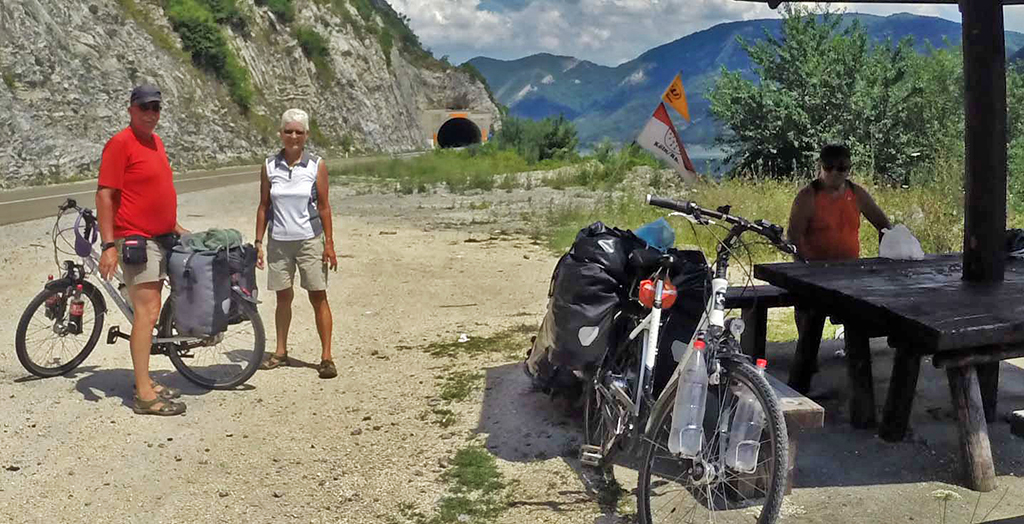 Bicycling-Serbia_Golubac-to-Donji-Milanovac-German cyclists