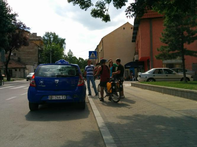 Bicycling Serbia-Smederevo-can't find the Car Hotel