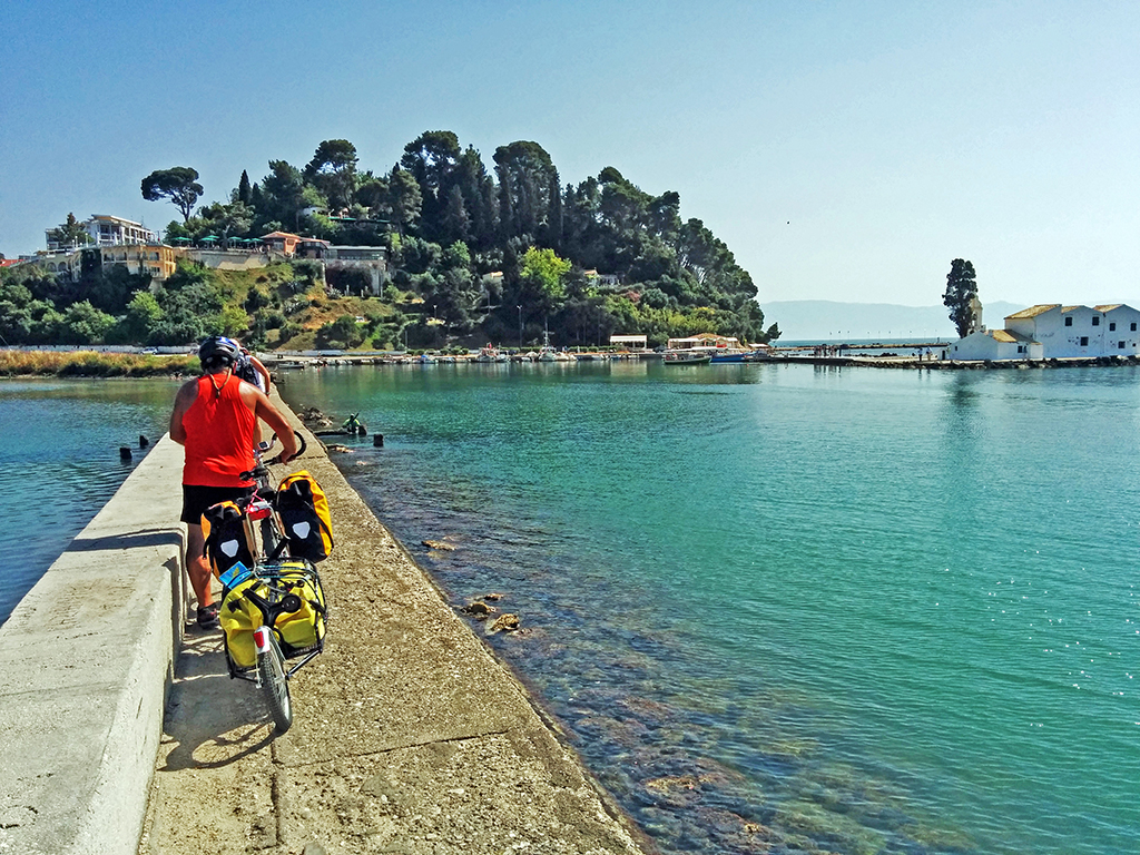 Bicycling Corfu-Benitses to Corfu Town